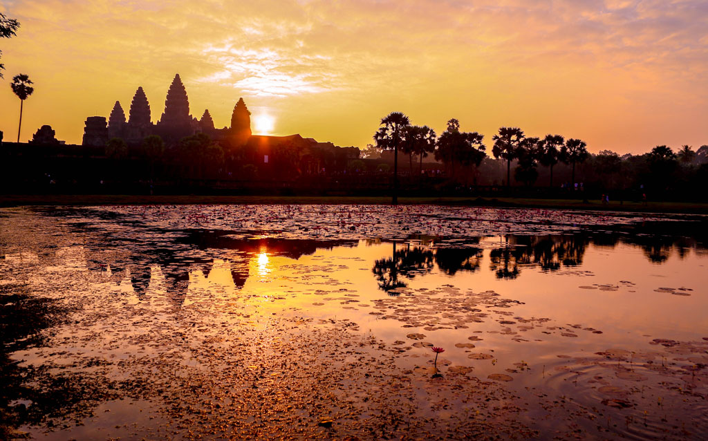 Angkor-Wat-morning-sunrise